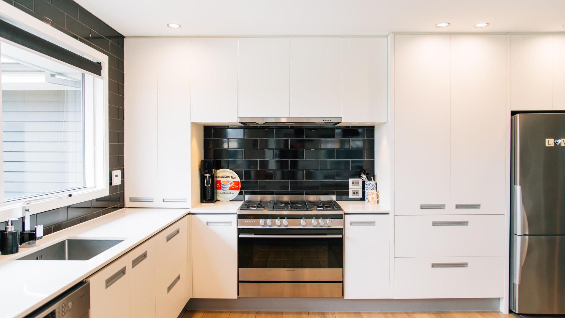 Sovereign Palms kitchen 3