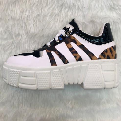Mod:4120 blanco/tigre zebra