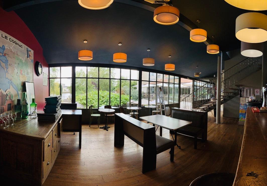 Salle Bar Atelier des Quais 2