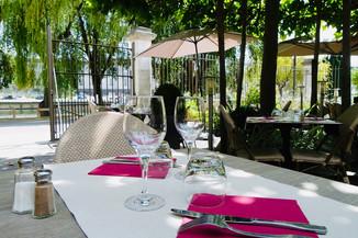 Terrasse Atelier des Quais Cognac.jpg