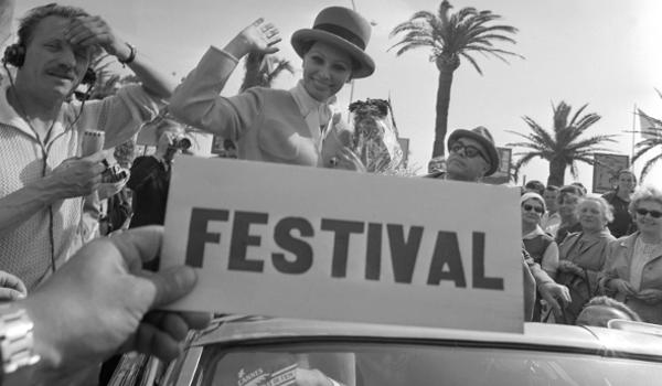 Sophia Loren, Carlo Ponti - Festival de Cannes 1964 .png