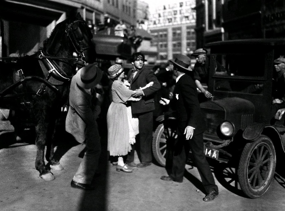 Luchshie-filmyi-v-retsenziyah-Voshod-solntsa-Sunrise-A-Song-of-Two-Humans-1927-1