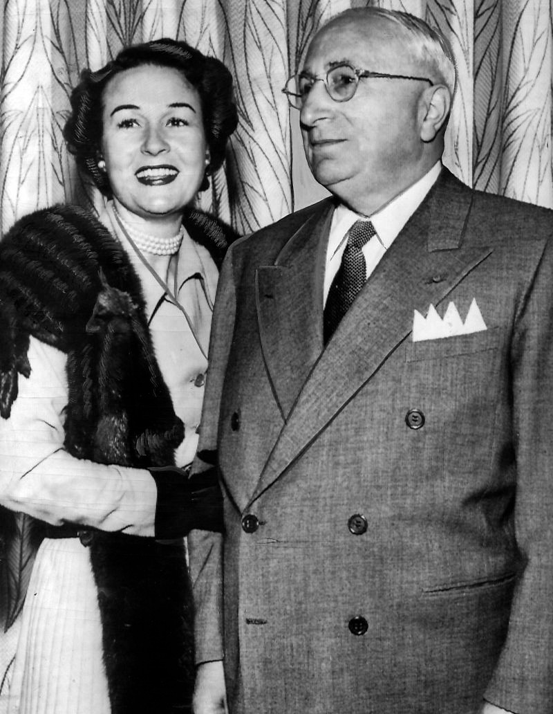 Louis_B._Mayer_and_wife.jpg