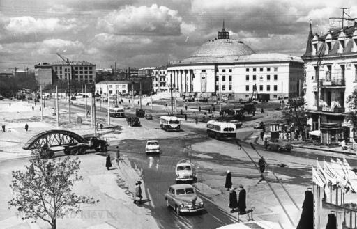 Площа Перемоги в 1960-тих роках