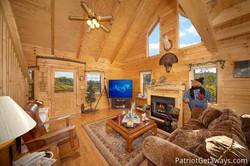 shy-bear-living-room-with-fireplace-600x400