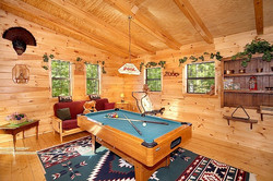 shy-bear-lofted-game-room-with-pool-table-600x400