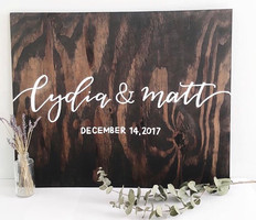 Modern calligraphy and wedding decor from Mantequillaco