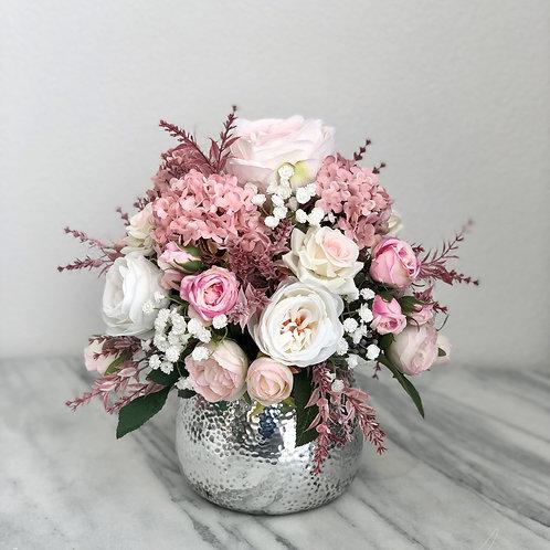 Künstliches Arrangement in einer Vase (silber)