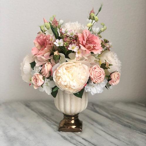 Kunstblumen Arrangement in einer Vase xx214
