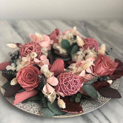 Tischkranz Arrangement mit stabilisierte Blumen