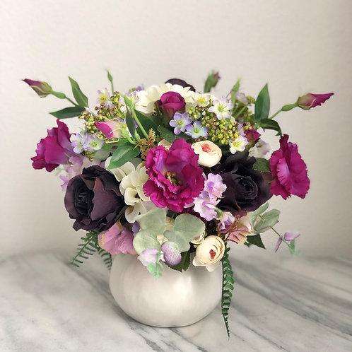 Seindenblumen Arrangement in einer Vase