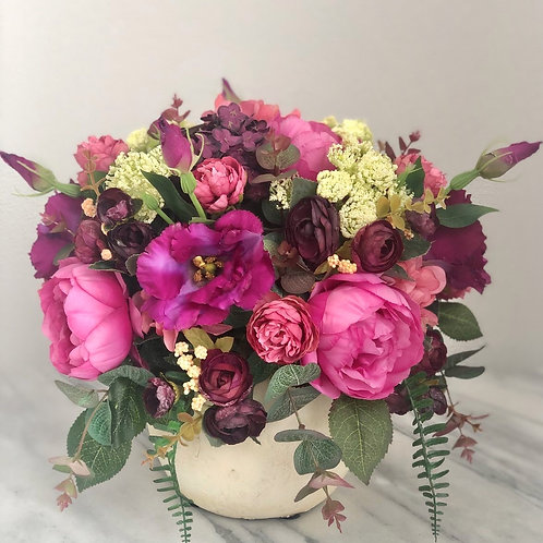 Kunstblumen Arrangement in einer Vase
