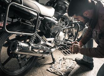 ¿Cuántas piezas tiene una moto?