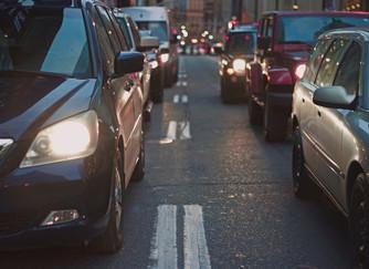 ¿Un conductor daltónico puede ser peligroso?
