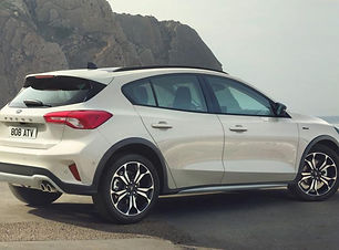 2020-ford-focus-active-white-rear-quarte