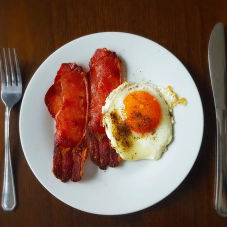 Fried Eggs and Baked Bacon  // 1910s