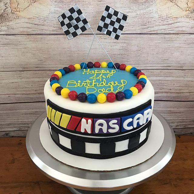 #cakedecorating #binbrookontario #cake #