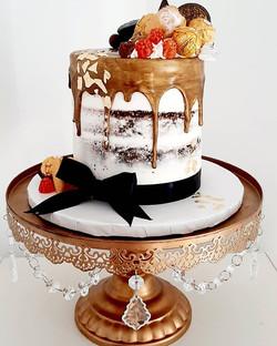 A perfect graduation cake to celebrate s