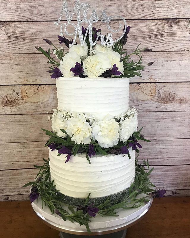 Another cake favourite 🥰 Three tiers of