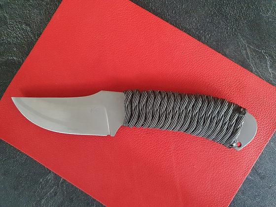 Couteau de camp paracorde