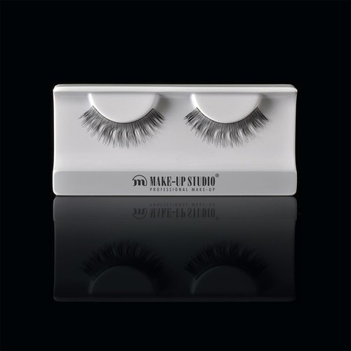 ph0400_13-eyelashes-13.jpg