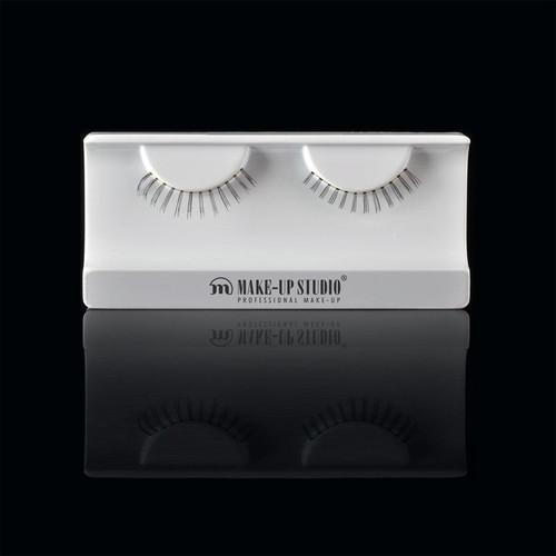 ph0400_20-eyelashes-20.jpg