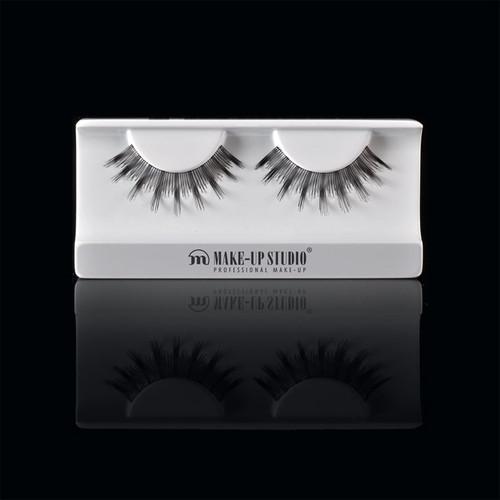 ph0400_10-eyelashes-10.jpg