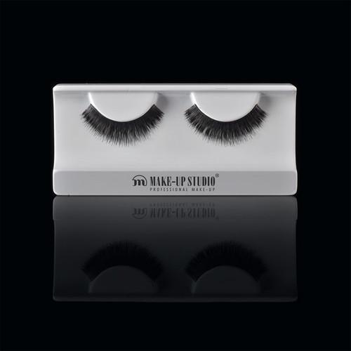 ph0400_18-eyelashes-18.jpg