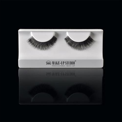 ph0400_11-eyelashes-11.jpg