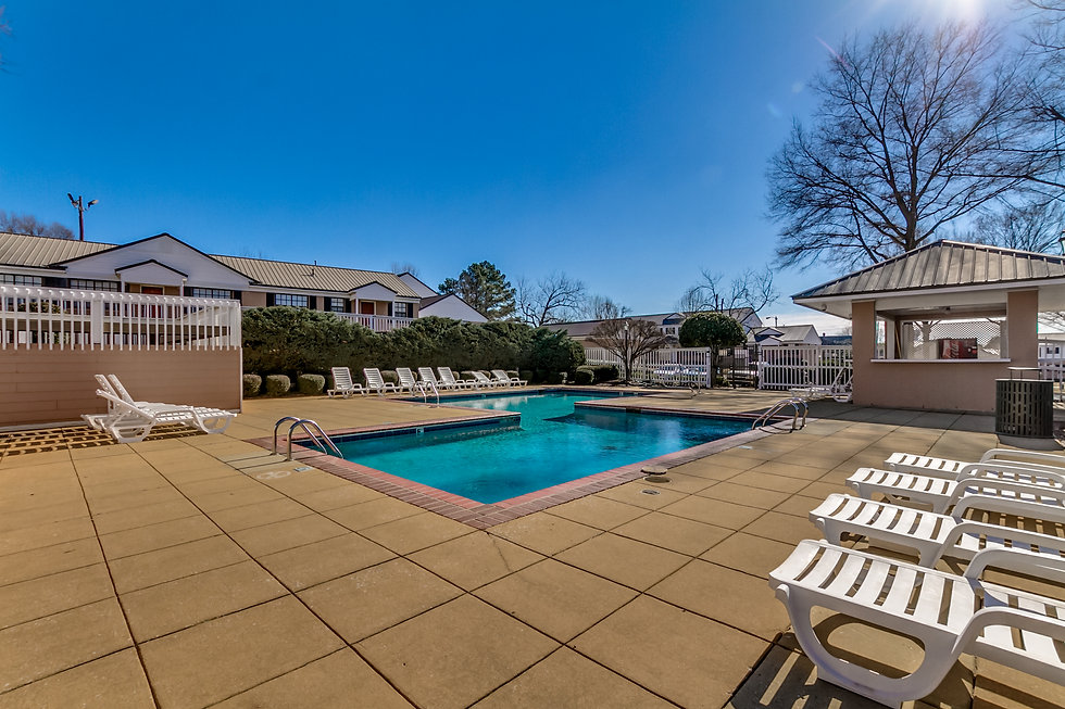 The pool at Harbrooke Downs condos in Tu