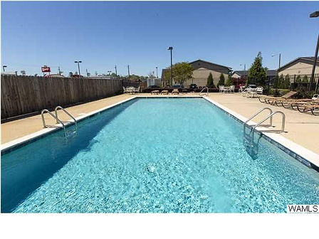 The pool at Regency Oaks Condos in Tusca