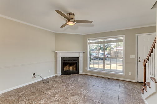 Image of the living room in a Park Lane Condo in Tuscaloosa