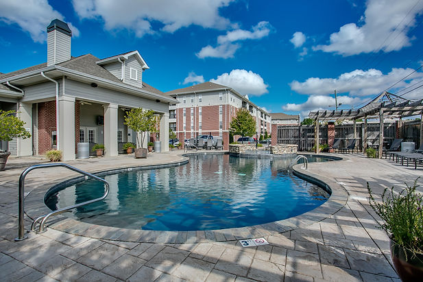 The pool at Houndstooth condos in Tuscaloosa