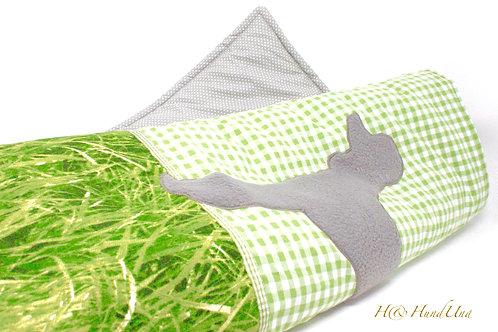 H& Decke GrüneWiese Pudel