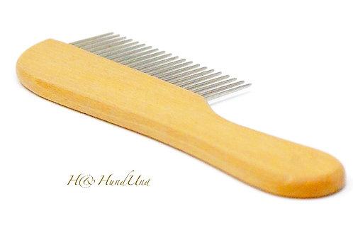 Kamm mit Holzgriff