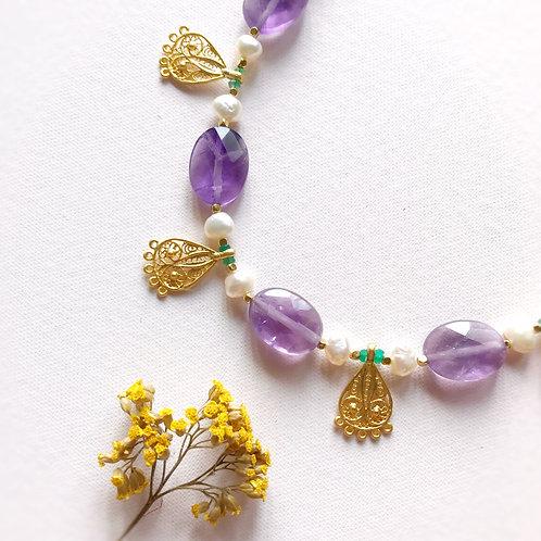 Collana 'all'Antica' con Ametista, Perle di Fiume e Agata Verde