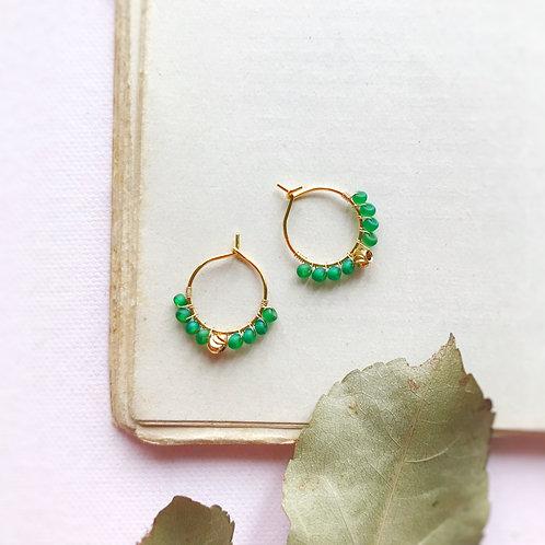Micro anelle con rocailles e boule centrale - VERDE PRATO