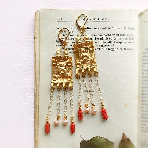 Pendulia Vassilissa con catena intrecciata a mano, Corallo e Perle di Fiume