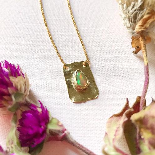 Piccolo sautoir con Bracteă e Opale Etiope