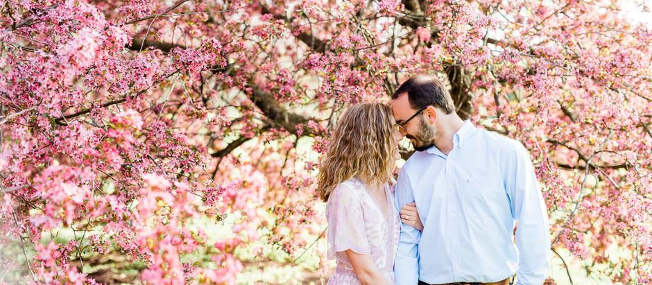 VIBRANT SPRING ENGAGEMENT SESSION IN LEXINGTON | Jenna & Nathan
