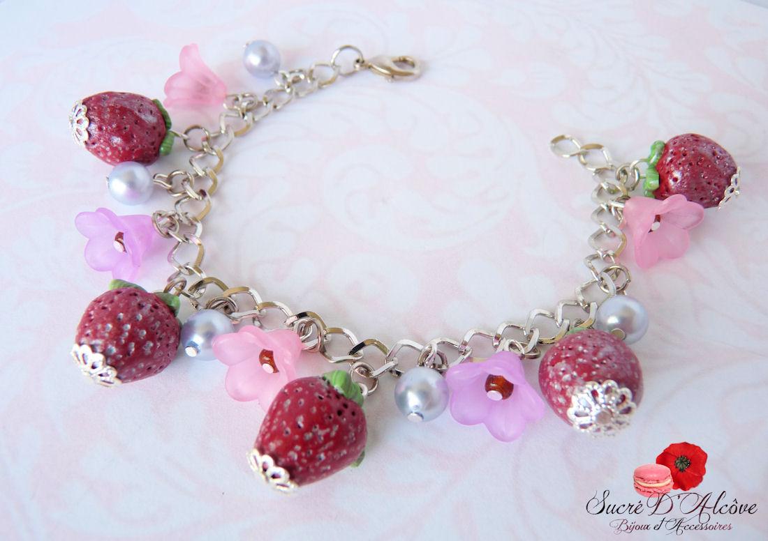 Bracelet gourmand fraise (1).JPG