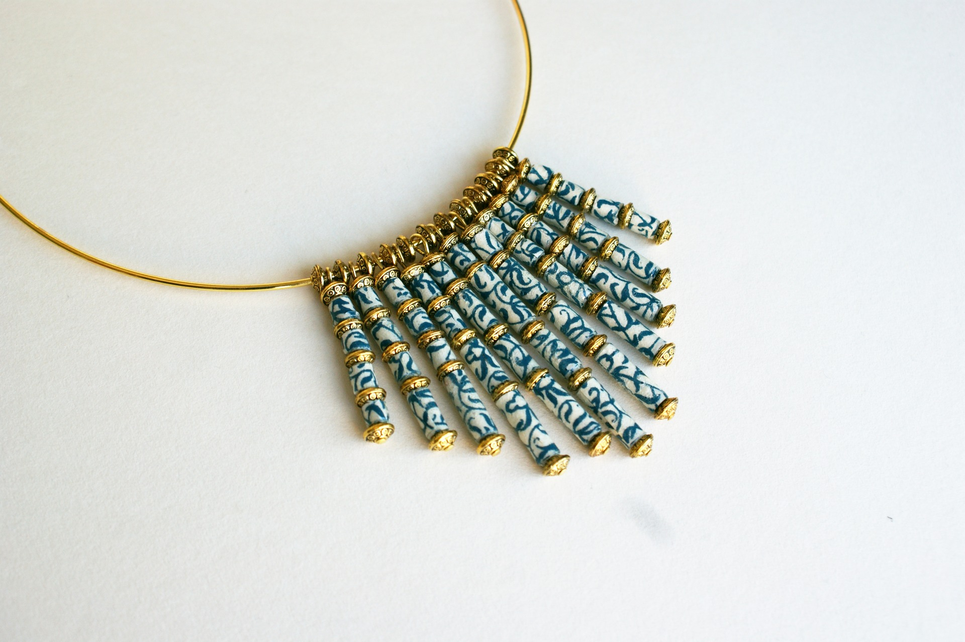 collier-elegant-collier-porcelaine-en-pe-14871445-dsc02956-jpg-3664bd-5b90e_big