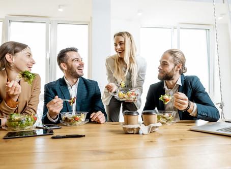 Alimentar a su personal no confinado mientras los restaurantes están cerrados