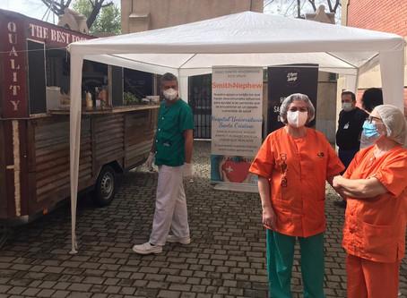 Iniciativa Redtrucks en hospitales y centro de campaña