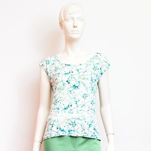 Women's patterned T-shirt