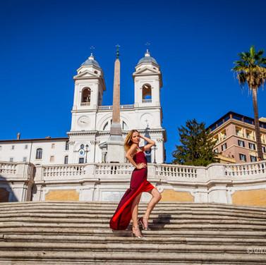 Marina Orlova veste Annalisa Queen per il suo servizio fotografico a Roma