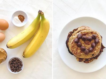 Pancakes de banana y chips de chocolate