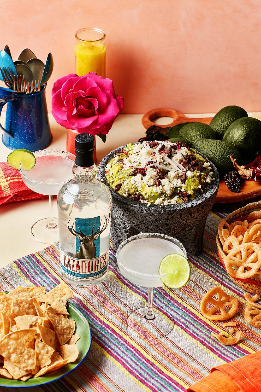 Aarón's Guacamole and Tequila Cazadores