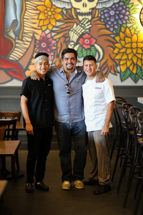 Oswaldo (2018), Chef Aarón Sánchez, and Alejandro (2019)