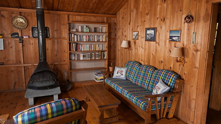 Guest House 02 Living 2s.jpg
